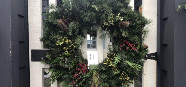 Dunga Project Christmas Wreath Sale